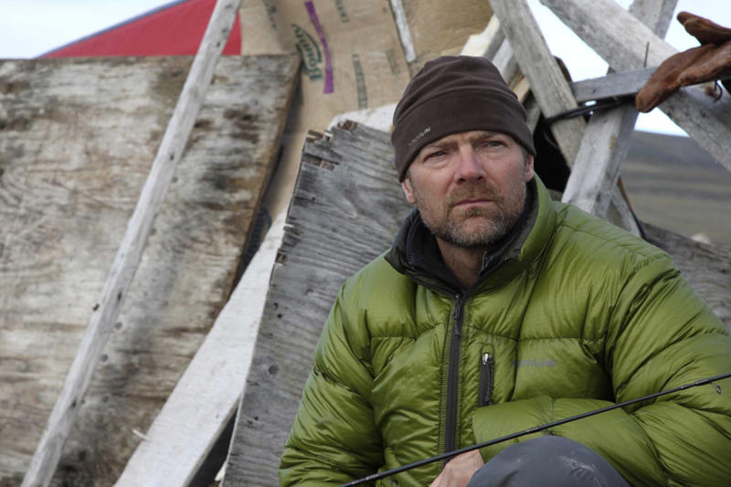"Les Stroud, host of the TV show ""Survivorman"", is photographed at his shelter after his seven days of survival at Pond Inlet in the Arctic September 19, 2008."