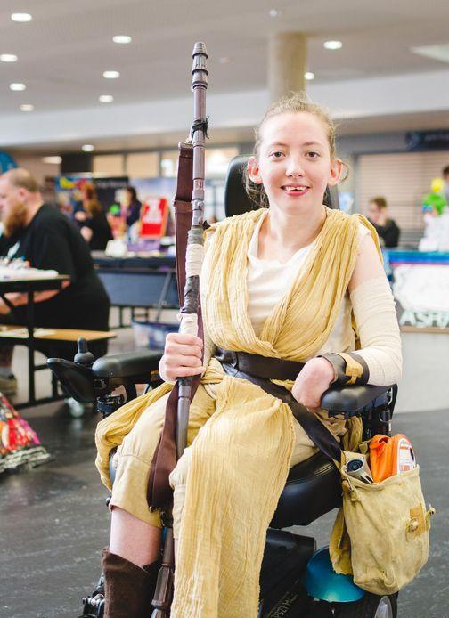 <p>A <em>Star Wars</em> costume doesn't have to be complicated or expensive! All you need for Rey is some gauzy fabric, a leather belt, boots, and satchel. </p>