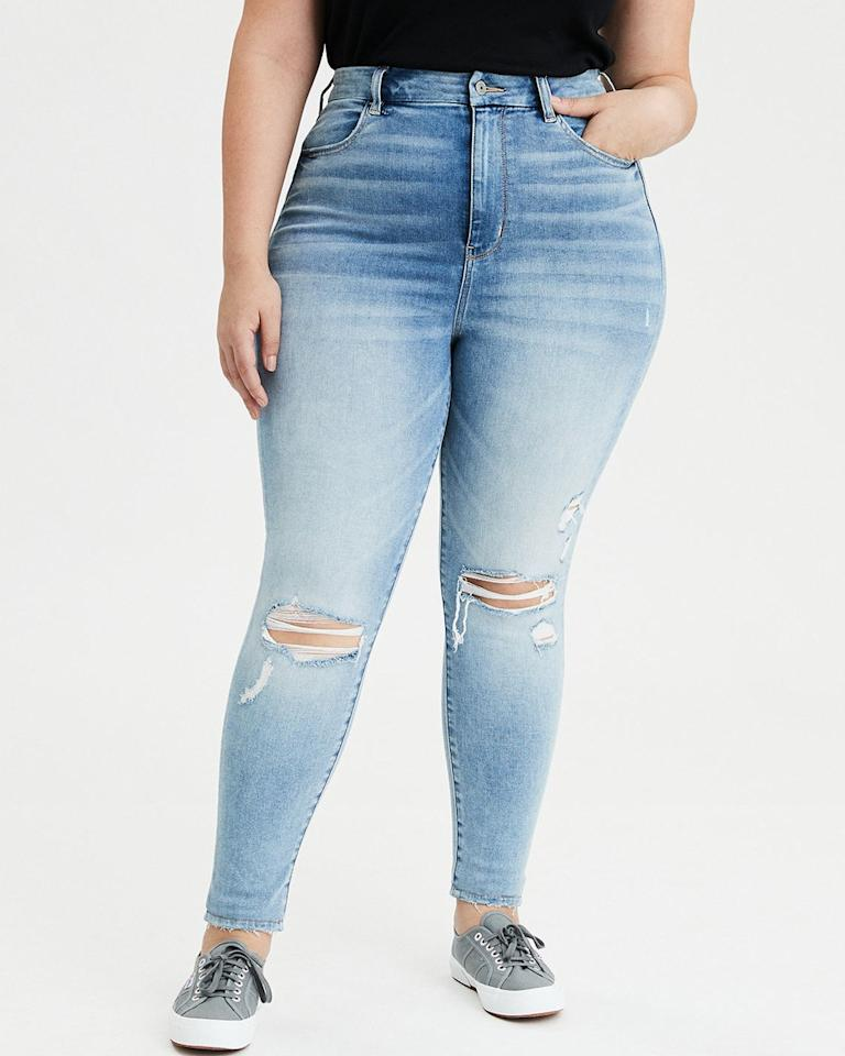 """While American Eagle entered 2019 with a denim size range that spanned 00 to 20, <a href=""""https://www.glamour.com/story/american-eagle-jeans-extended-sizing-00-to-24?mbid=synd_yahoo_rss"""">this past July</a> the brand took its efforts further with an additional expansion to its jeans, going up to a 24. Now the mass brand's signature denim pieces have become available to a wider audience, and furthermore the images on the brand's site have continued to closer represent the IRL world we live in. $37.46, American Eagle. <a href=""""https://www.ae.com/us/en/p/women/curvy-jeans/curvy-highest-waist-jegging/ae-ne-x-t-level-curvy-highest-waist-jegging/3439_2303_841?menu=cat4840004"""">Get it now!</a>"""