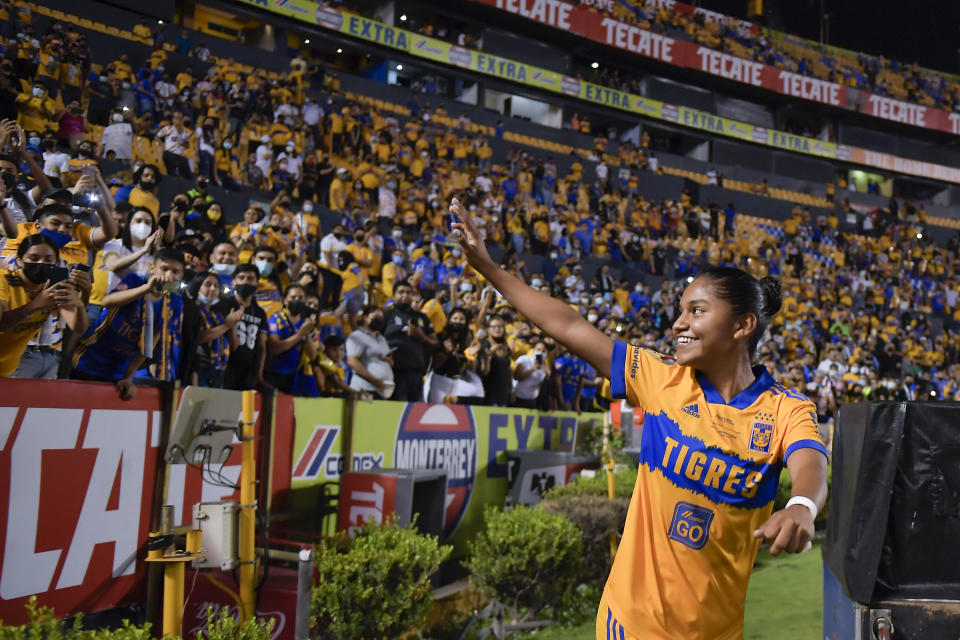 MONTERREY, MEXICO - MAY 31: Belén Cruz #18 of Tigres UANL femenil celebrates with fans after winning of the Final second leg match between Tigres UANL and Chivas as part of the Torneo Guard1anes 2021 Liga MX Femenil at Universitario Stadium on May 31, 2021 in Monterrey, Mexico. (Photo by Azael Rodriguez/Getty Images)