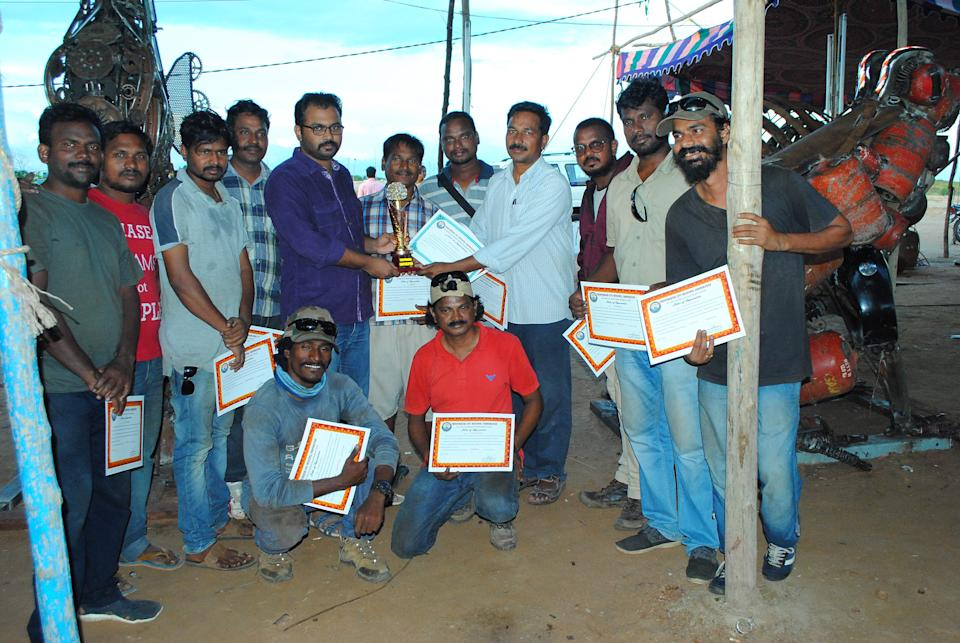 Qualified and experienced Sculptors and ex-students of Andhra University, AP, Visakhapatnam
