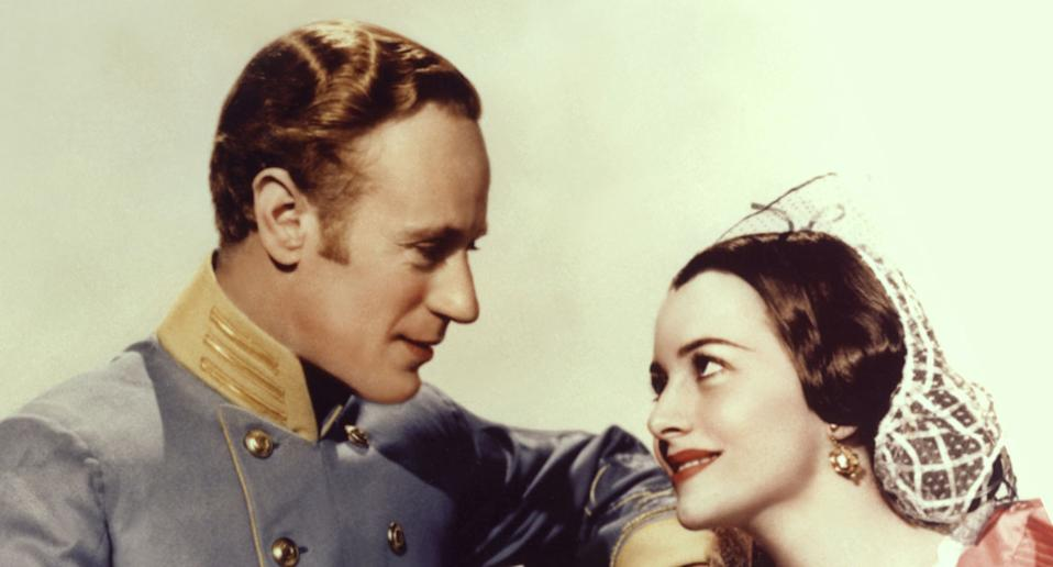 Leslie Howard and Olivia de Havilland on the set of Gone with the Wind. (Metro-Goldwin-Mayer Pictures/Sunset Boulevard/Corbis via Getty Images)
