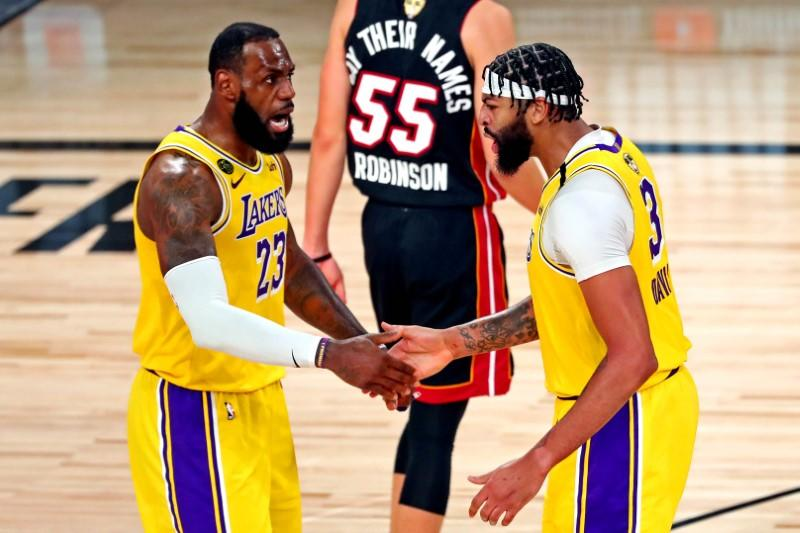 Lakers dominate Heat for lopsided win in Game 1 of NBA Finals
