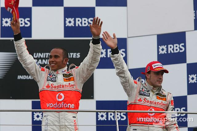 "Lewis Hamilton y Fernando Alonso 2007 <span class=""copyright"">XPB Images</span>"