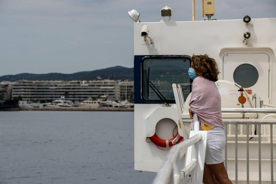 "<span class=""caption"">Puerto de Ibiza.</span> <span class=""attribution""><a class=""link rapid-noclick-resp"" href=""https://www.shutterstock.com/es/image-photo/ibiza-spain-20th-july-2002-woman-1779719033"" rel=""nofollow noopener"" target=""_blank"" data-ylk=""slk:Shutterstock / Duncan Cuthbertson"">Shutterstock / Duncan Cuthbertson</a></span>"
