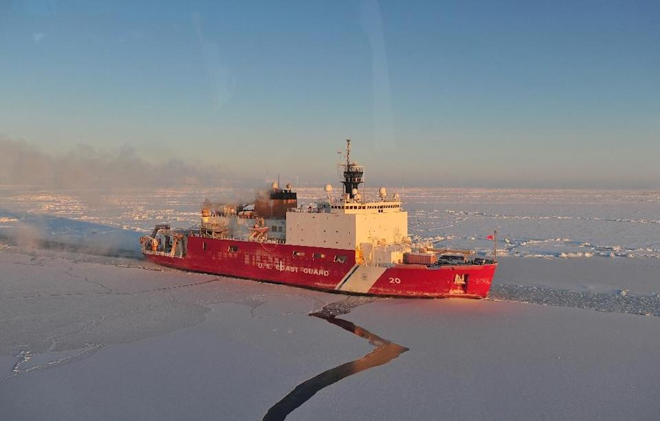 A US Coast Guard photo obtained January 14, 2012 shows the US Coast Guard Cutter Healy as it breaks ice in the Nome Harbor (AFP Photo/Charly Hengen)