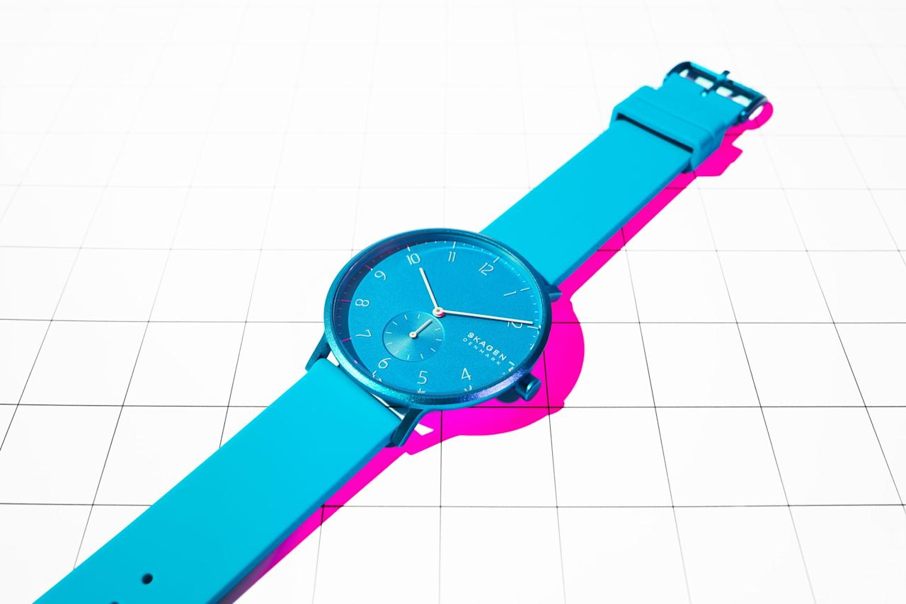 "<p>This brand-new <a href=""https://www.popsugar.com/buy/SKAGEN%20Aaron%20Kulor%20Neon%20Blue%20Silicone%20Watch-450568?p_name=SKAGEN%20Aaron%20Kulor%20Neon%20Blue%20Silicone%20Watch&retailer=skagen.com&price=95&evar1=fab%3Aus&evar9=45687503&evar98=https%3A%2F%2Fwww.popsugar.com%2Ffashion%2Fphoto-gallery%2F45687503%2Fimage%2F45687504%2FSKAGEN-Aaron-Kulor-Neon-Blue-Silicone-Watch&list1=shopping%2Cwatches%2Caccessories&prop13=api&pdata=1"" rel=""nofollow"" data-shoppable-link=""1"" target=""_blank"">SKAGEN Aaron Kulor Neon Blue Silicone Watch</a> ($95) was just released in five bold colors, but we especially love the blue hue.</p>"