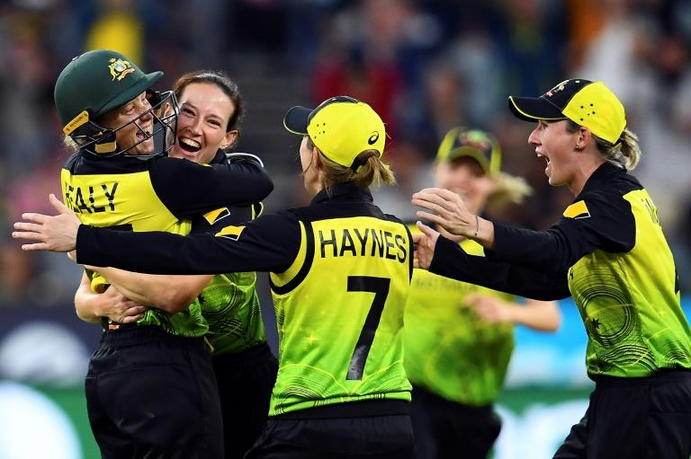 The blockbuster showdown between the world's top-ranked team and fast-improving India was billed as the biggest in women's cricket history