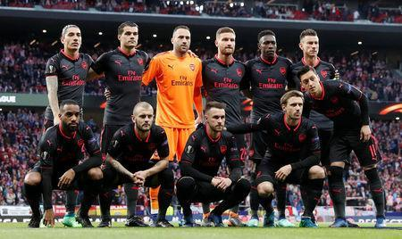 Soccer Football - Europa League Semi Final Second Leg - Atletico Madrid v Arsenal - Wanda Metropolitano, Madrid, Spain - May 3, 2018 Arsenal players pose for a team group photo before the match Action Images via Reuters/Matthew Childs