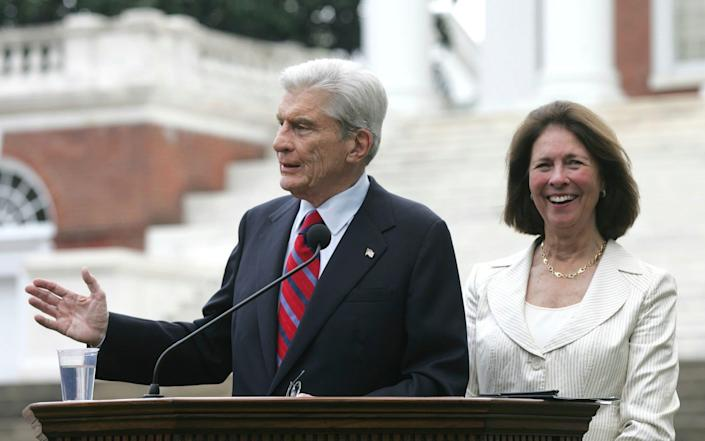 With his third wife Jeanne Vander Myde, who survives him, in 2007 - Andrew Shurtleff/AP