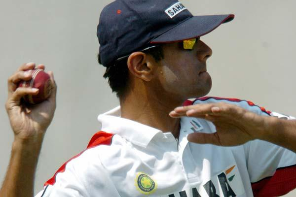 Some of you might find it surprising to know that Dravid has picked up four wickets while bowling off-spin for India in ODIs. Three of those came against South Africa in an ODI series in India in the year 2000.