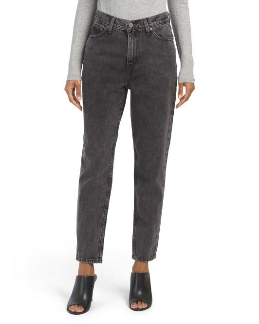 """$19.99, Marshalls. <a href=""""https://www.marshalls.com/us/store/jump/product/Brenda-Mom-Jeans/4000002274?colorId=NS4154762&pos=6:148"""">Get it now!</a>"""