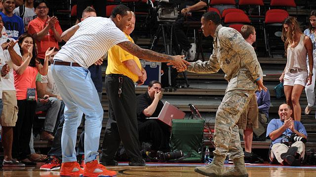 Windmill dunk by U.S. Air Force member wows USA Basketball Showcase