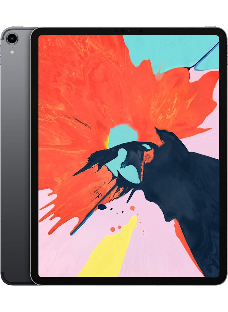 Apple's top-of-the-line iPad Pro models are discounted. (Photo: Walmart)