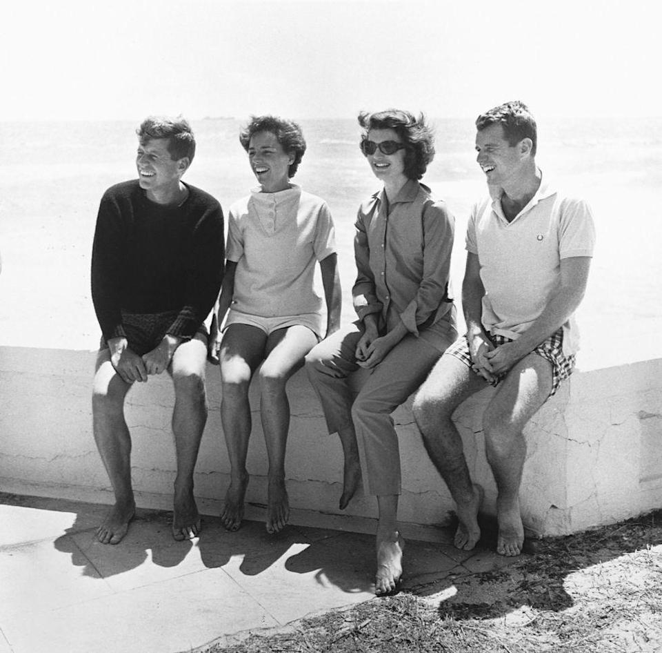 <p>A day at the sea with JFK, Ethel Kennedy, Jackie Kennedy, and Robert Kennedy.</p>