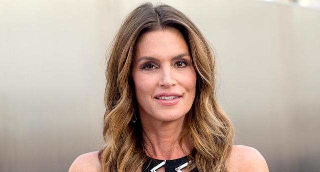 Cindy Crawford is throwing it back. (Photo: Emma McIntyre/Getty Images)