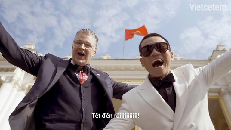Daniel Kritenbrink, the US ambassador to Vietnam, accompanied by local rapper Wowy in a screen scrab from his Tet video