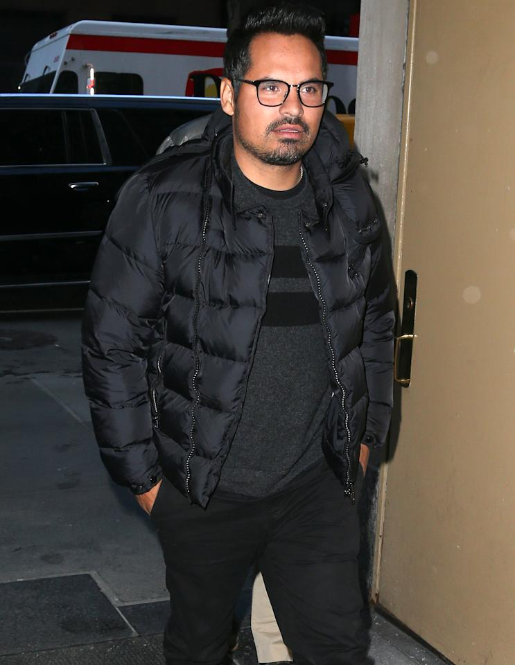 <p>Michael Peña bundles up to combat cold N.Y.C. temperatures before a visit to the <i>Today </i>show on Thursday.</p>