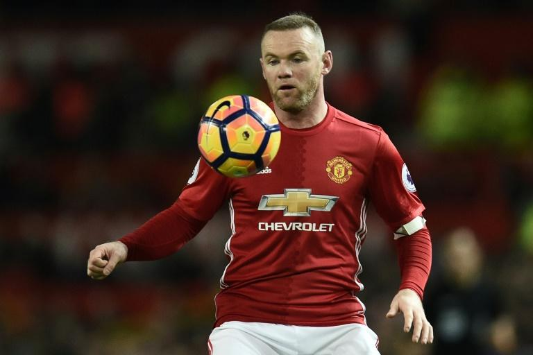 Manchester United's English striker Wayne Rooney controls the ball during the English Premier League football match against Liverpool January 15, 2017