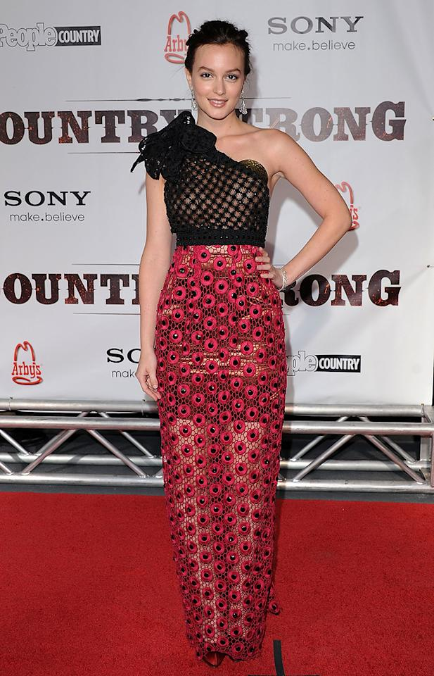 "<a href=""http://movies.yahoo.com/movie/contributor/1807650409"">Leighton Meester</a> attends the Nashville premiere of <a href=""http://movies.yahoo.com/movie/1810133348/info"">Country Strong</a> on November 8, 2010."
