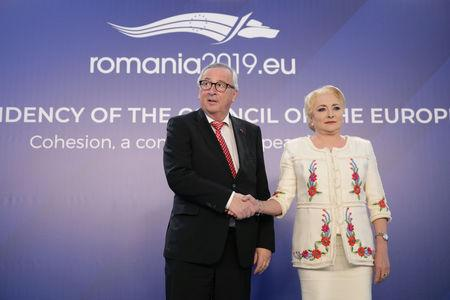 Romanian Prime Minister Viorica Dancila and European Commission President Jean-Claude Juncker pose for a picture in Bucharest, Romania, January 11, 2019. Inquam Photos/Octav Ganea via REUTERS ATTENTION EDITORS - THIS IMAGE WAS PROVIDED BY A THIRD PARTY. ROMANIA OUT.