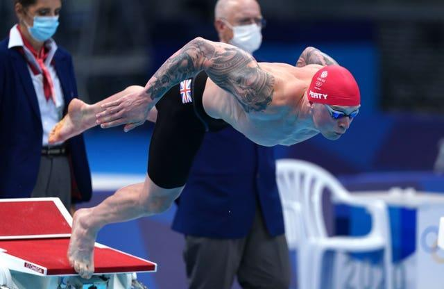 Peaty dives in at the start