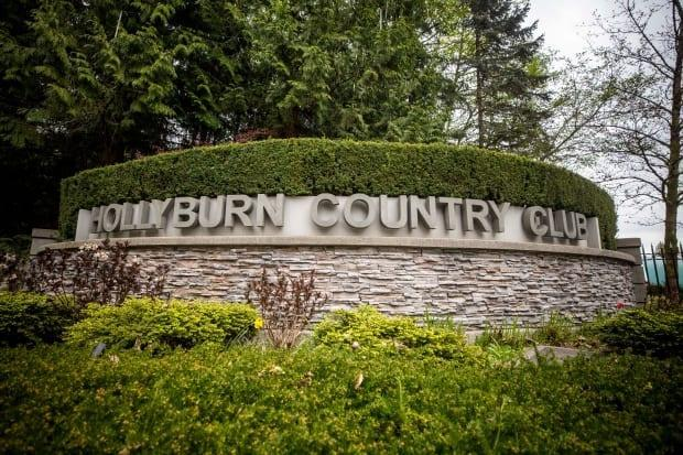 Hollyburn Country Club is shown in West Vancouver on Friday. The exclusive club sent an email to members offering them doses of the AstraZeneca vaccine at a planned 'pop up' clinic set for April 26 until it was cancelled by the province. (Ben Nelms/CBC - image credit)