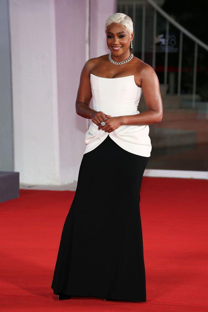 <p>The comedian and actor wore a white and black corseted gown by Christian Siriano to the red carpet of the movie 'The Card Counter'.</p>