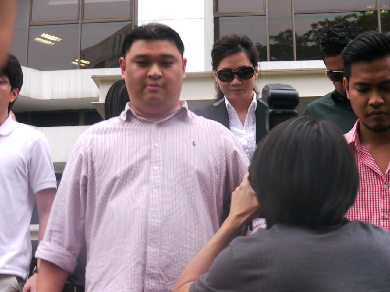 Ex-IT executive Cecilia Sue Siew Nang leaving court on 26 September 2012. (Yahoo! photo/ Deborah Choo)