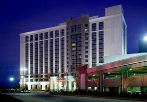 Hotel in Irving, TX Kicks Off College Football Season With Special Rates