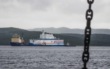 Russia's first sea-borne nuclear power plant arrives to its base
