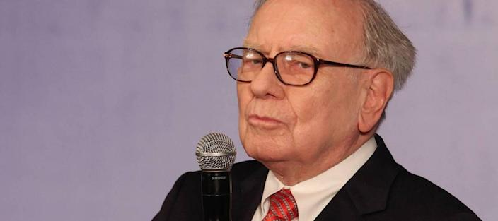 Here are 5 new investment tips you can steal from Warren Buffett