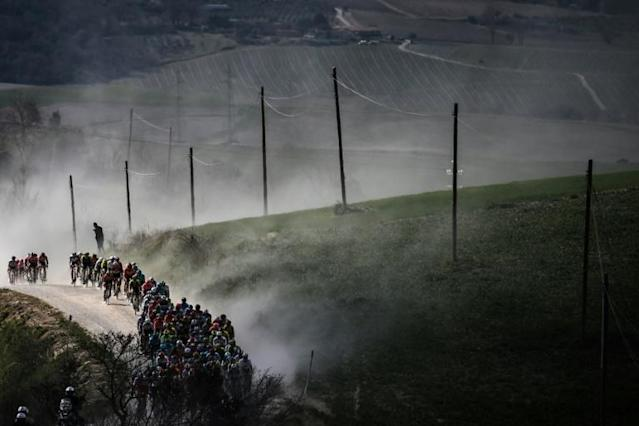 The pack will not be raising clouds of dust on Tuscany's white roads this weekend (AFP Photo/Marco BERTORELLO )