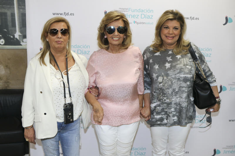 MADRID, SPAIN - MAY 24: Maria Teresa Campos, accompanied by her daughters Terelu Campos (R) and Carmen Borrego (L) leaves hospital after suffering an ictus on May 24, 2017 in Madrid, Spain. (Photo by Europa Press/Europa Press via Getty Images)