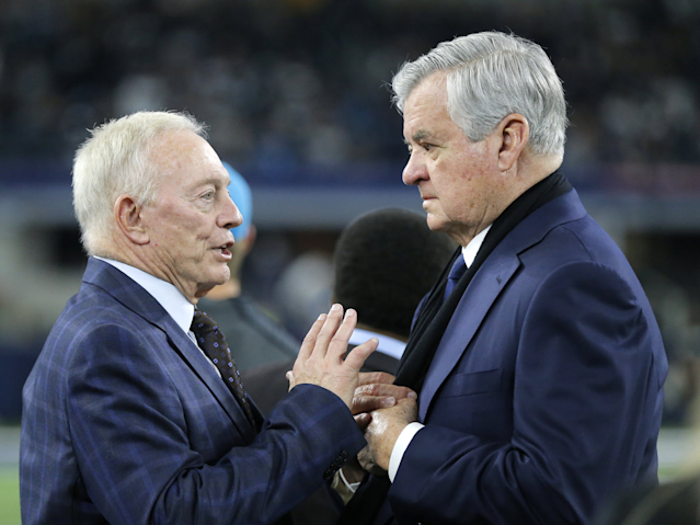 The Dallas Cowboys owner Jerry Jones (L) and the Carolina Panthers owner Jerry Richardson. (AP)