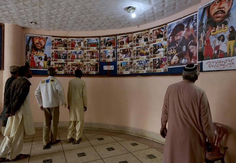 Pakistan delays decision on movie that offended Islamists