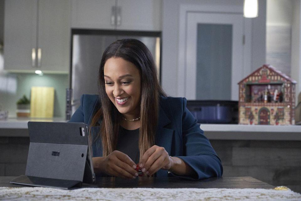 <p>Architect Taylor (Tia Mowry-Hadrict) teams up with baker and single dad Adam (Duane Henry) to build a life-sized gingerbread house for a contest. She's gunning for a promotion that will take her to another town, but the two fall in love, and Taylor learns that maybe it won't be so bad to stick around after all.</p>