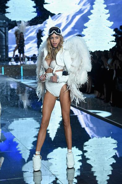 <p>It might've been raining outside in New York, but it was snowing inside the venue. Stella Maxwell sure would've been cold if she wasn't actually inside, but she definitely looked prepared to face the elements (minus the exposed skin). </p>