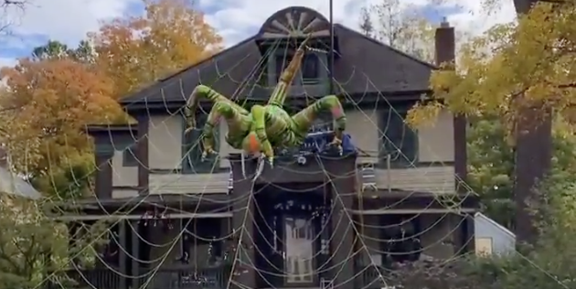 This Home With a Giant Inflatable Moving Spider Wins Halloween