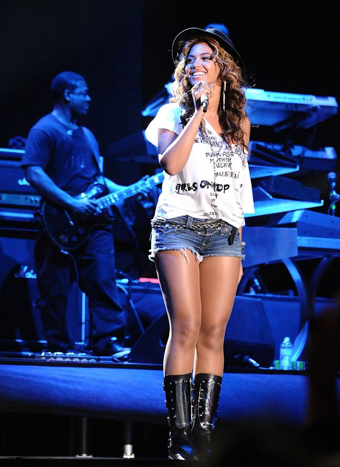 <p>Beyoncé surprised concert-goers by popping out during Jay Z's performance in 2010, wearing a graphic t-shirt and jorts.</p>
