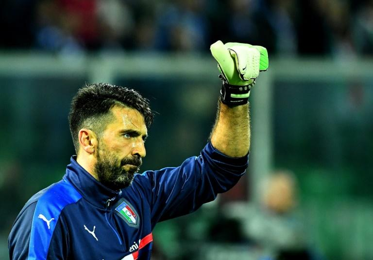Italy's goalkeeper Gianluigi Buffon warms up before the FIFA World Cup 2018 qualification football match against Albania on March 24, 2017