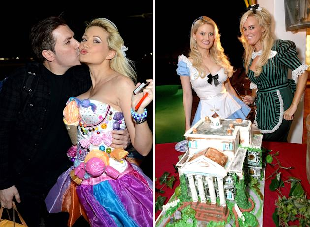Holly Madison Wedding.Move Over Minnie Holly Madison S Getting Married At Disneyland Next