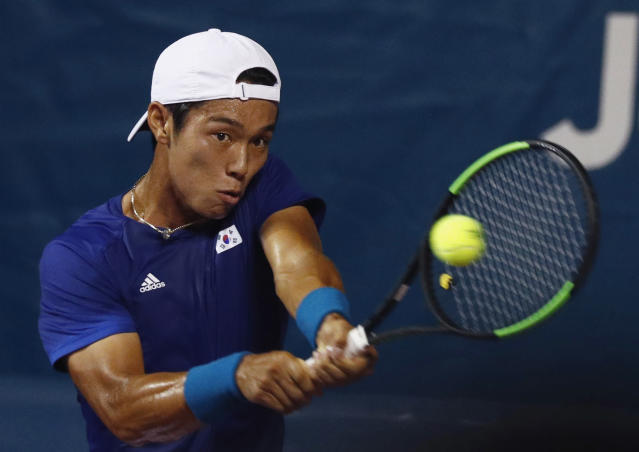 Duckhee Lee became the first hearing impaired player to win a main draw match on the ATP Tour. (REUTERS/Edgar Su)