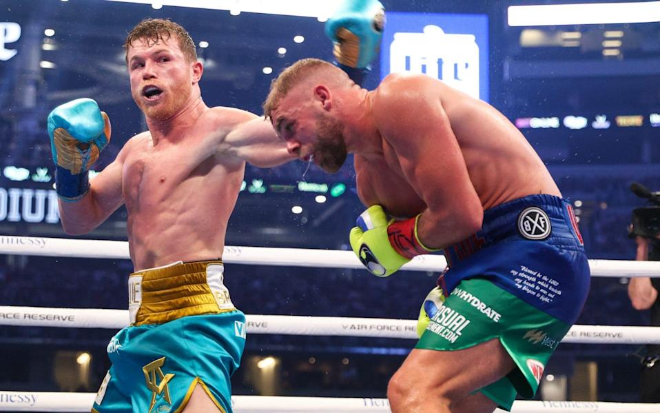 Canelo stops Billy Joe Saunders to win super-middleweight bout as Brit 'busts eye socket' - Ed Mulholland/Matchroom