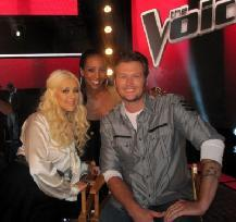 Access Hollywood's Shaun Robinson with Christina Aguilera and Blake Shelton on the set of NBC's 'The Voice,' Oct. 28, 2011 -- Access Hollywood