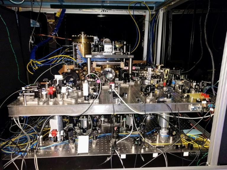 This January 25, 2017, image courtesy of Dr. Ed Marti, shows a strontium optical lattice clock, stored at Jun Ye's lab in the University of Colorado, Boulder (AFP/ED MARTI)