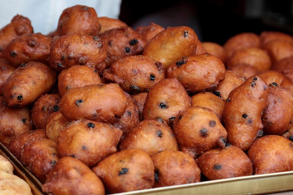 Oliebollen {New Years Eve Traditions}