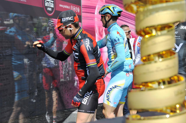 Australia's Cadel Evans waits for the start of the sixth stage of the Giro d'Italia, Tour of Italy cycling race, from Sassano to Montecassino, Italy, Thursday May 15, 2014. (AP Photo/Gian Mattia D'Alberto)