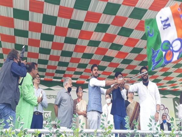 West Bengal Sports Minister Manoj Tiwary