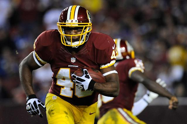 LANDOVER, MD - DECEMBER 03: Running back Alfred Morris #46 of the Washington Redskins runs the ball in the third quarter against the New York Giants at FedExField on December 3, 2012 in Landover, Maryland. (Photo by Patrick McDermott/Getty Images)